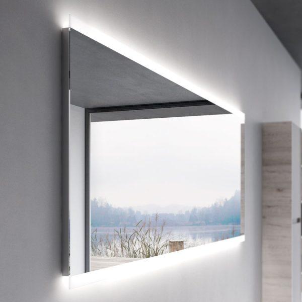 Зеркало с периметральным светодиодным освещением