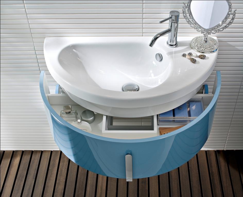 Mебель для ванной Moon в газете  Repubblica Casa&Design